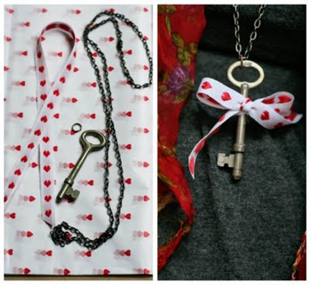 ribbon key necklace
